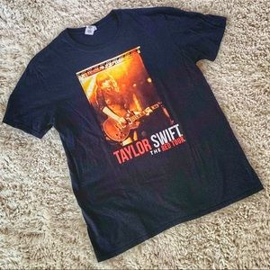Taylor Swift The Red Tour Tee Shirt Large